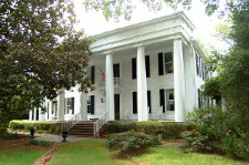 Georgia realty sales historic homes for sale in georgia for Old farm houses for sale in georgia